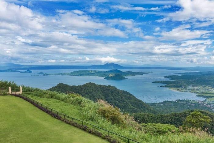 Philippinen Taal Vista Hotel Golfurlaub